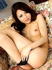 Arisa enjoys in showing her body
